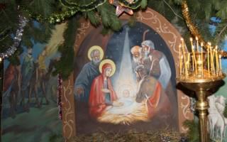 Когда начинается служба на Рождество? Что влияет на продолжительность службы? Как быть, если хочется привести на праздничную службу ребёнка.