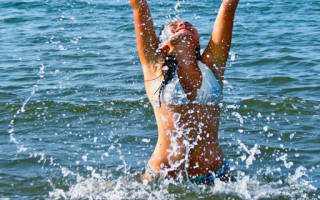 Сонник толкование купаться. К чему снится купаться